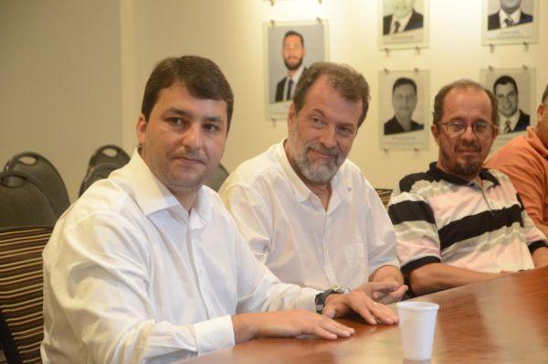 Turismo sustentável: Secretário Raphael Gattás (à esquerda) quer dar visibilidade às atividades turísticas de Resende (Foto: Carina Rocha/Divulgação PMR)