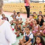 Recreação: Secretária Dayse Penna esteve no local, que contou com a participação de mais de 30 crianças (Foto: Yuri Melo/Ascom VR)