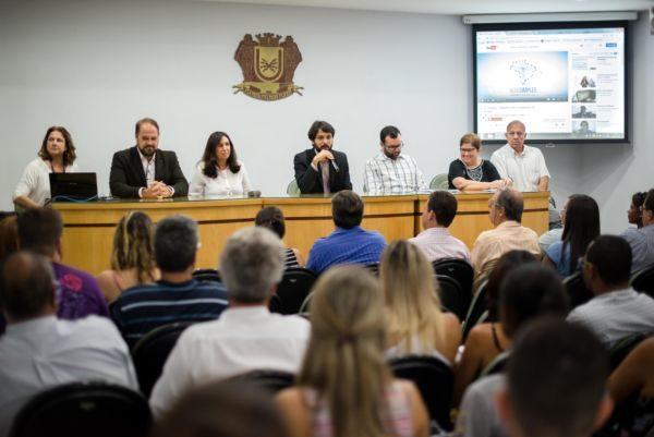 Contadores se reuniram com prefeito Samuca Silva para conversar sobre situação da cidade