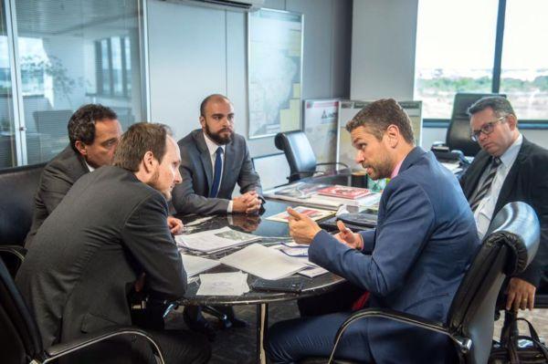 Rodrigo e Deley tentam viabilizar inauguração de empreendimento que gerará 200 empregos (foto: Divulgação)