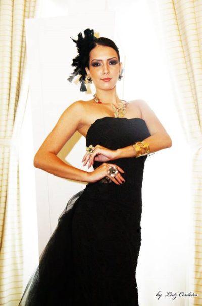 A beleza de Larissa Amitti, que hoje estará presente nos salões do Carná Folia