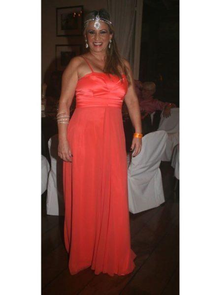 Clarisse Leal estará hoje à noite desfilando sua beleza e elegância, nos salões do Carná Folia