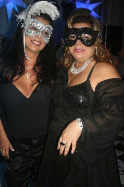 Clima de Carnaval: Deusa Lass e Mary a Rigor, nos salões do Carná Folia