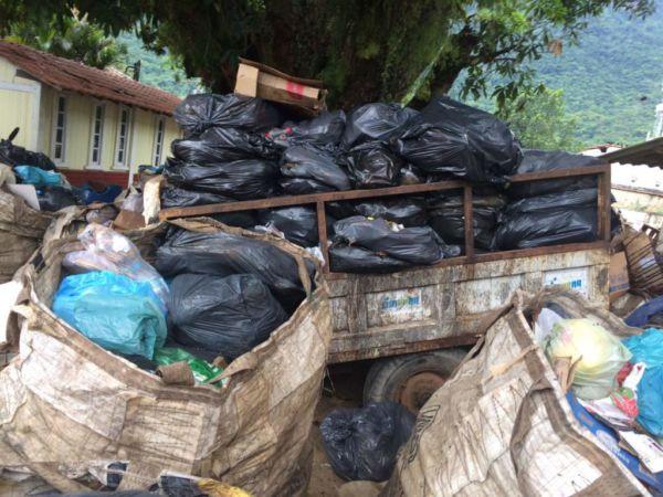 Lixo: Situação mais grave é a coleta de resíduo sólido domiciliar, com um acúmulo de 200 toneladas (Foto: Divulgação PMAR)