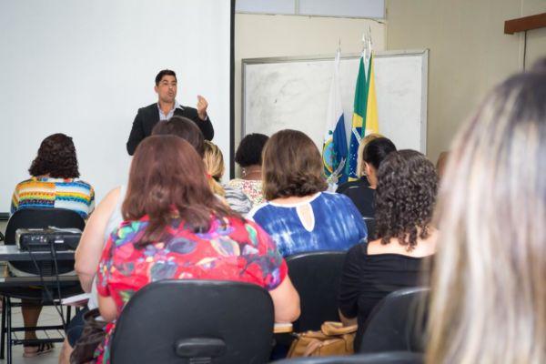 Em conversa: Mario Esteves garantiu que haverá fiscalização para que transporte continue sendo feito com qualidade (Foto: Divulgação PMBP)
