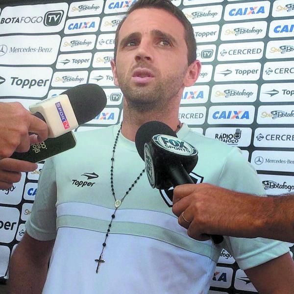 Montillo é o principal organizador das jogadas de ataque do Botafogo