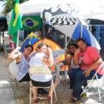 Manifestantes estão há cinco dias em frente à entrada do batalhão, no bairro Niterói (Foto: Paulo Dimas)