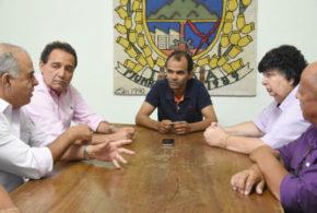 Neto pede que prefeitos da região ajudem a cobrar IPVA atrasado