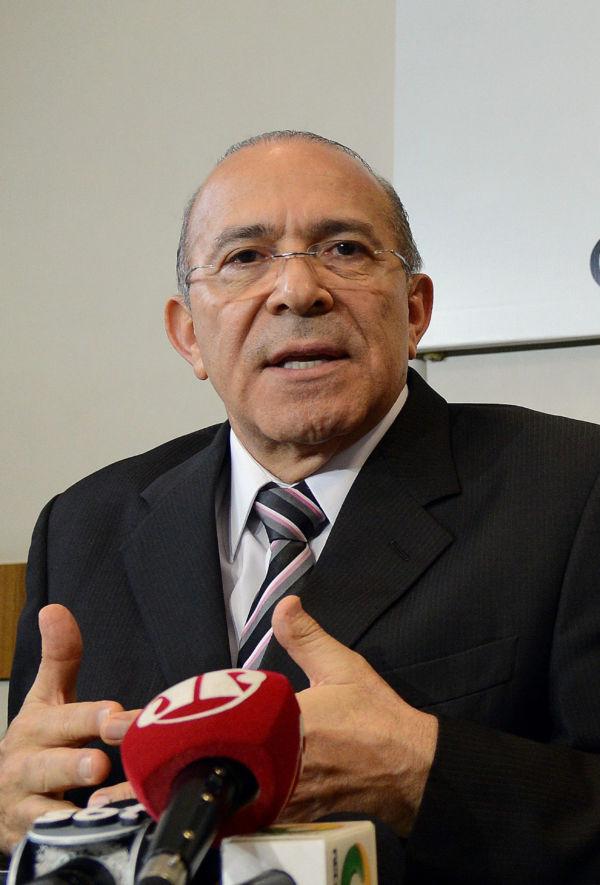 Ministro da Casa Civil: Eliseu Padilha falou com a imprensa após participar de audiência da Comissão Especial na Câmara (Foto: Wilson Dias/Agência Brasil)