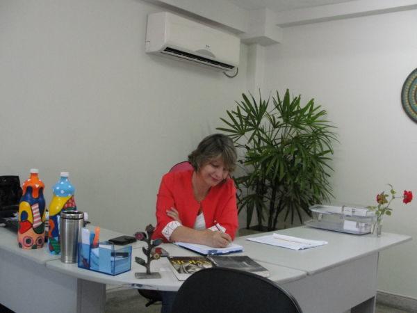 Avançando: Dayse manterá projetos antigos e já deu início a novas ideias na secretaria (Foto: Júlio Amaral)