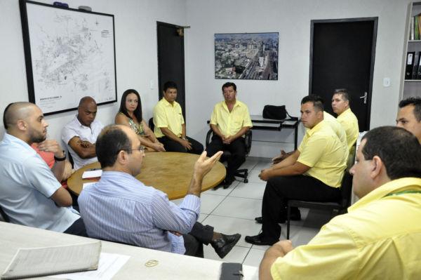 Reunião: Objetivo foi ouvir reivindicações sobre o serviço gratuito oferecido a pessoas com mobilidade reduzida (Foto: Divulgação PMVR)