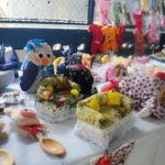 Artesanato: Bordados, crochês, biscuit e objetos personalizados foram expostos na feira (Fotos: Franciele Bueno)