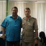 Proposta: Munir e o tenente-coronel do Corpo de Bombeiros discutem detalhes do projeto (foto: Divulgação)
