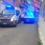 Policiais continuam fazendo buscas no Morro da Glória, onde cemitério clandestino foi descoberto (foto: Enviado por WhatsApp)