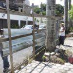 Tapumes são retirados de praça que está sendo reformada no bairro Santa Rosa (foto: Paulo Dimas)