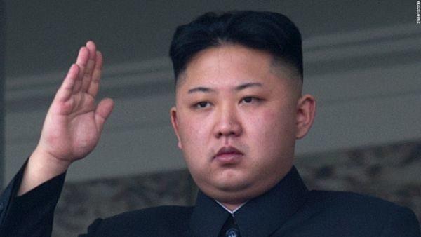 Kim Jong Un, supervisionou um exercício de lançamento de mísseis