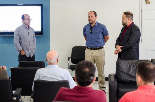 Em discussão: Reunião serviu para avaliar impactos da implantação da faixa seletiva para ônibus na avenida (Yuri Melo/Ascom VR)