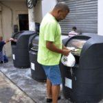 Paulo Dimas/Ascom PMBM Utilização correta: Sacos de lixo devem ser colocados dentro dos contentores subterrâneos e nunca nas calçadas