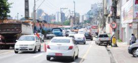 PRF está multando motoristas que estacionam na Avenida Getúlio Vargas