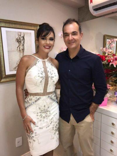 Na inauguração de sua Clínica da Face, a médica cirurgiã plástica, Iramaia Pifano com seu amado, Jessé de Hollanda Júnior