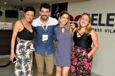 A fotógrafa Fabíola Ito, o publicitário Davi Tedesco, apresentadora de TV, Diana Sabadini com sua assessora Camila
