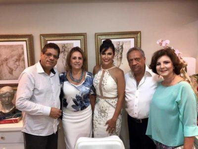 A médica Iramaia Pifano entre o administrador Jefte Pereira de Castro, Eloisa Almeida, este colunista e Cecília Monteiro