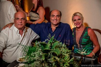 Maurício Brandão, os empresários Roberto Loureiro e Viviane Loureiro