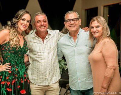 Chris Carraro, o aniversariante José Roberto do Amaral, o médico Amaro Inácio e a secretária Municipal de Saúde, Márcia Cury