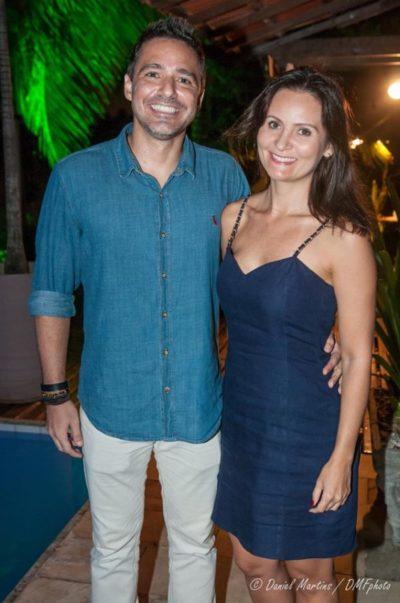 O artista plástico Cesar Csar e Érica Faria