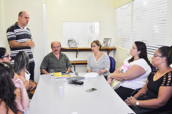 Debate: Participantes formaram comitiva para debater questionamentos feitos em protesto (Foto: Divulgação)