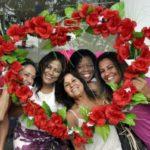 Mimo: Prefeitura de Barra Mansa distribuiu doces e mensagens positivas no Dia Internacional da Mulher (Foto: Paulo Dimas/Ascom PMBM)
