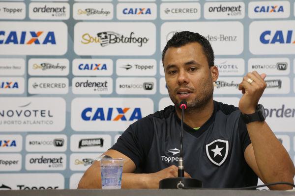 Esperançoso: Jair Ventura espera que o Botafogo repita as atuações na Pré-Libertadores (Foto: Vitor Silva/SSPress/Botafogo)