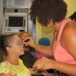 Homenagem: Serviço de maquiagem esteve à disposição das servidoras públicas do Centro Administrativo da Prefeitura de Quatis (Foto: Divulgação PMQ)