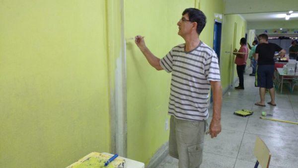 Mutirão ajudou a recuperar parte interna de escola em Resende