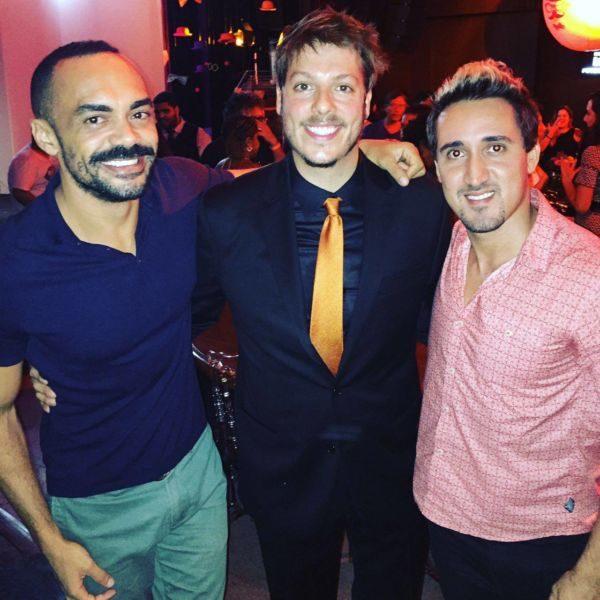 Reconhecimento: Os atores Júnior Dantas e Maykon Renan junto do ator Fábio Porchat na noite de premiação do Prêmio de Humor do Rio de Janeiro