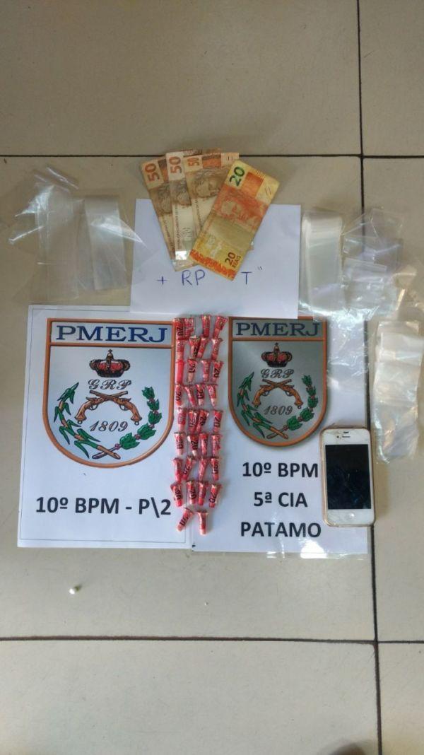Droga apreendida em Piraí foi levada para a delegacia (foto: Cedida pela PM)