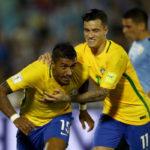 Hat-trick: Com três gols de Paulinho e atuação inspirada de Neymar, Seleção calou estádio adversário (Foto:Lucas Figueiredo/CBF)