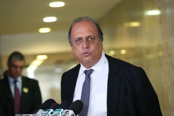 Expectativa: Pezão deve recorrer ao TSE de sentença que cassou seu mandato e o de Dornelles (Antonio Cruz/Agência Brasil)
