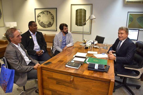 Parceria: Encontro com Álvaro Dias deixa Samuca confiante na possibilidade de obter recursos federais