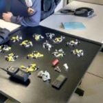 Policiais apreenderam cocaína, trouxinhas de maconha, uma munição intacta de calibre 12, cinto de guarnição, rádio de comunicação e um celular (Foto: Cedida pela PM)