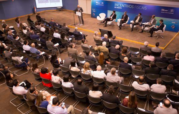 Incentivos Fiscais em debate com a participação da Firjan, da Comissão Especial de assuntos tributrrios da OAB e do Fórum permanente de direito tributário da EMERJ