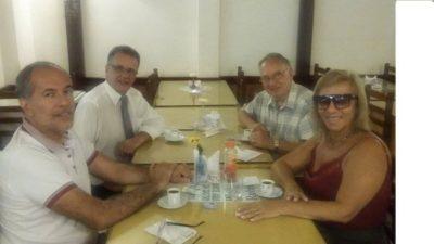 A advogada Silvana Lobo, com o empresário Antônio Cardoso, o Delegado da 93ª Delegacia de Polícia, Dr. Eliezer Lourenço Costa e José Américo Figueira, oficial de Cartório da 93ª DP