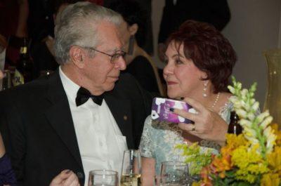 Sempre apaixonados: Os advogados Ettore Dalboni e Euse Dalboni (aniversariante do dia) em noite do Prêmio Cata-Vento
