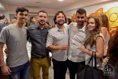 Rafael de Carvalho Neto e Whilder Mendonça recebendo os jovens empresários Ítalo Ramos e Breno Ramos com Bianca Vilela Marques