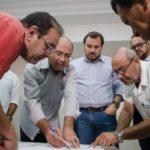 O prefeito Samuca Silva, orientou os secretários para que o diálogo  prevaleça entre todos os envolvidos (Foto: Gabriel Borges/PMVR)