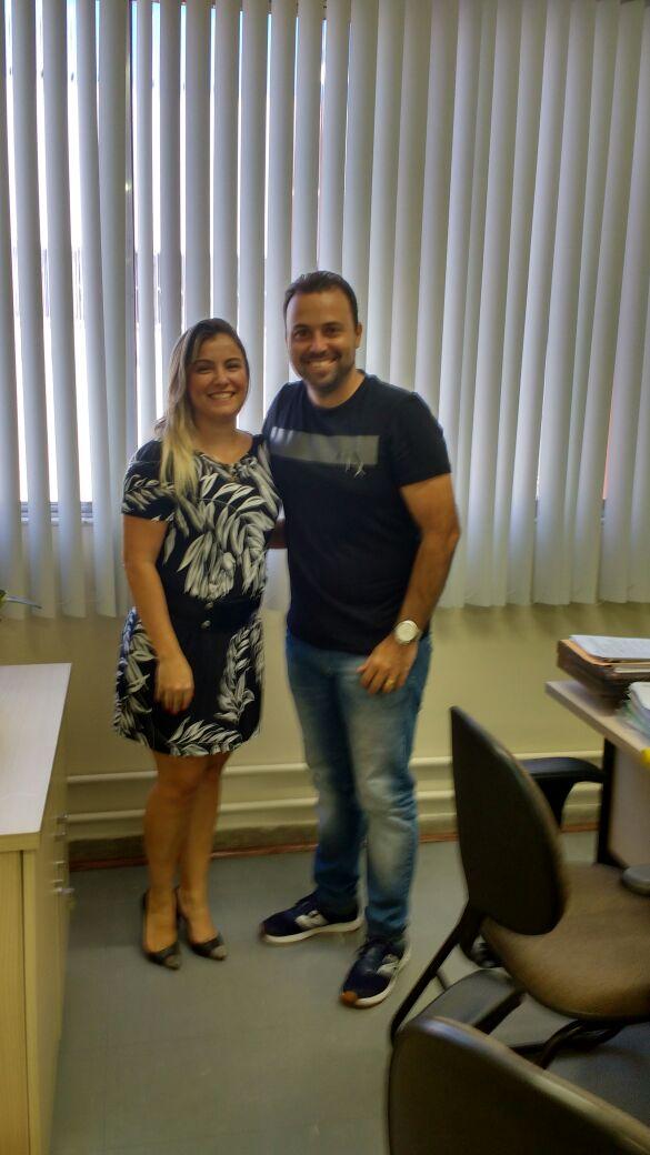 Juntos: Laydson e a diretora do Hospital São João batista trocaram informações