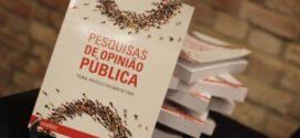 Alexandre Correa Lima lança nesta quinta-feira, em Volta Redonda, o livro 'Pesquisas de Opinião Pública'