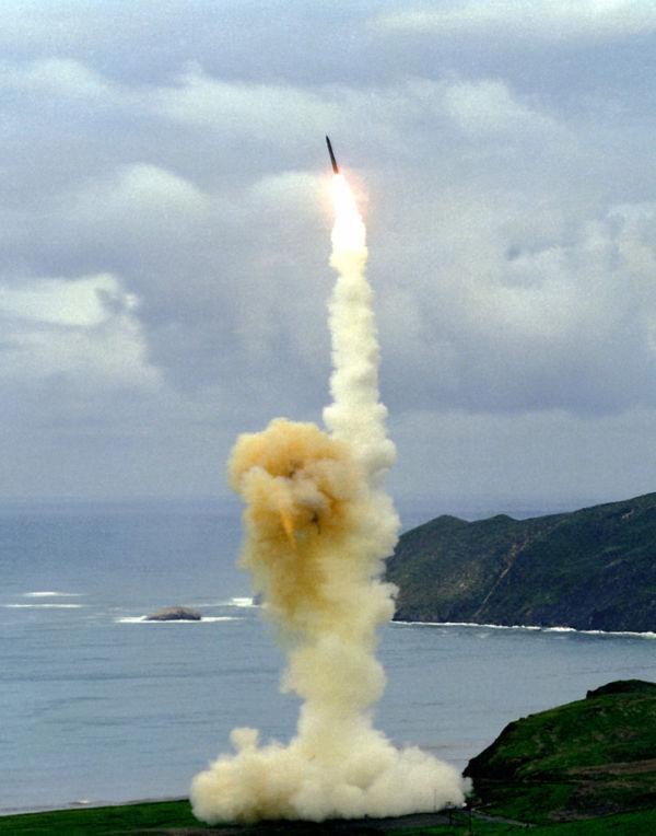 Mortal: O Minuteman acelera para o espaço