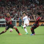 Descontando: Arão completou para o gol após confusão na área quando o relógio já marcava 44 minutos do segundo tempo (Foto: Gilvan de Souza / Flamengo)