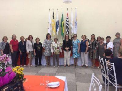 Na posse de presidente da Casa da Amizade Maria de Lourdes Oliveira Mazzoni Vieira e diretoria, entre o Conselho Diretor